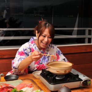 リピーターの声から生まれた丸ごと1匹伊豆・下田産使用。金目鯛のしゃぶしゃぶコース
