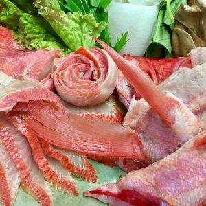 「金目鯛のしゃぶしゃぶの食べ方」地物野菜と丸ごと1匹の金目鯛を、2種類のポン酢で。
