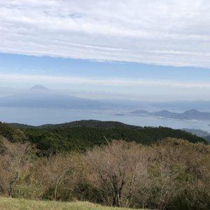 絶景!だるま山高原レストハウス。富士山と駿河湾を望む。達磨山、金冠山ハイキングの拠点にも。