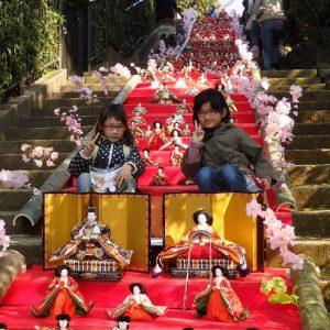 第七回 伊東まがりMAGARI雛 は東海館や佛現寺でご覧いただけます。